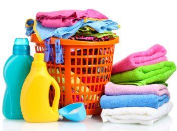 Le lavage des vêtements contenant des substances détruisent la nature